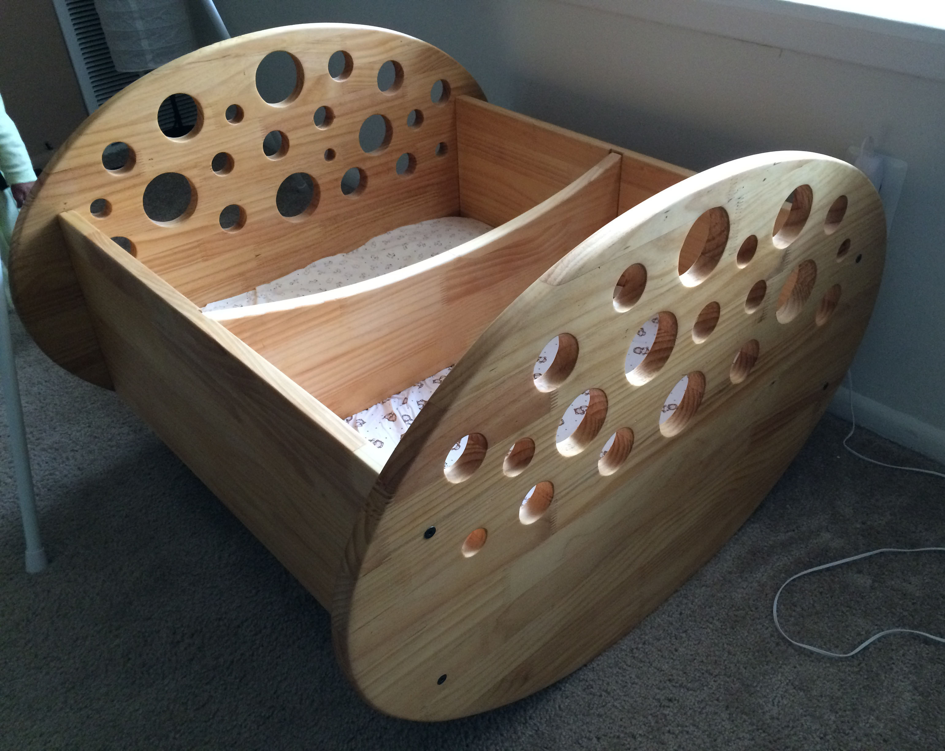 Crib/Bassinet (Wooden) For Twins With Mattress And Sheet